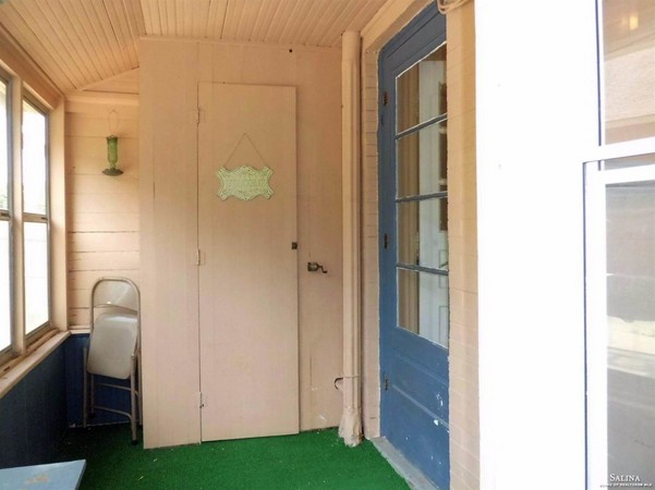 Sheltered Entry to Kitchen
